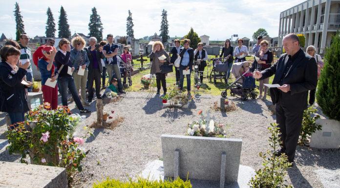 inaugurazione lapide bambini non nati al cimitero di fossano