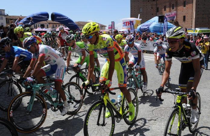 Parenza del Giro d'Italia da Fossano nel maggio 2014