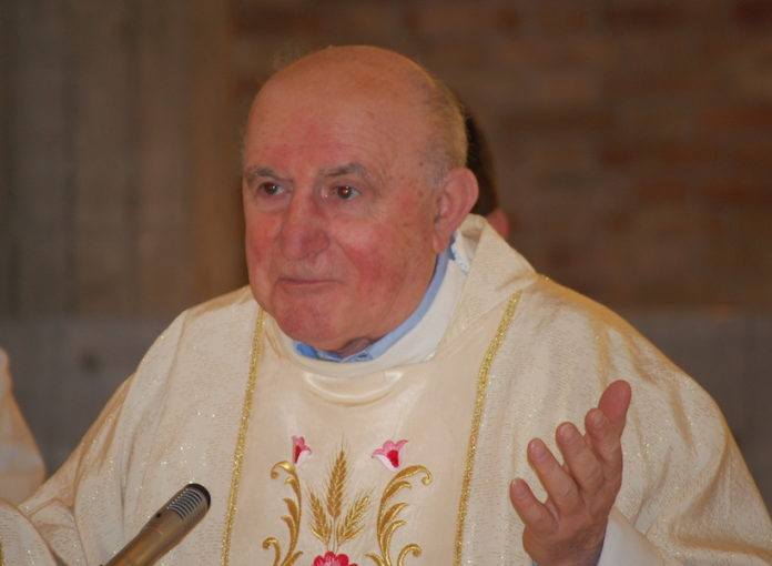 don Carlo Musso festeggiato per i 40 anni da parroco