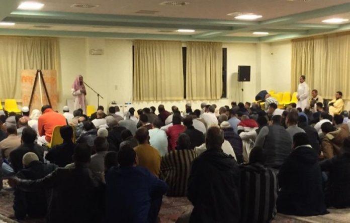 musulmani in preghiera a Fossano per il ramadan