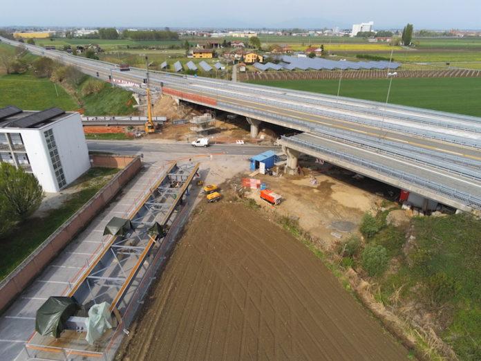 il ponte crollato della tangenziale di Fossano in costruzione in via Marene