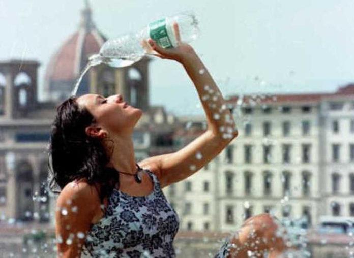 Un po' di acqua fresca per difendersi dal caldo