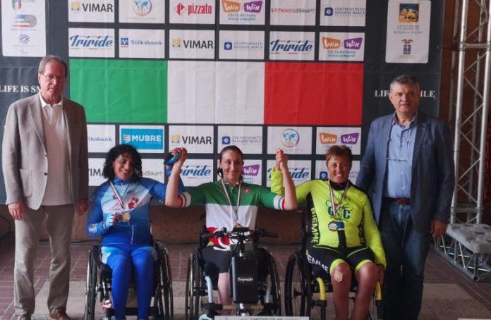 Valentina Rivoira sul primo gradino del podio ai Campionati nazionali di handbike