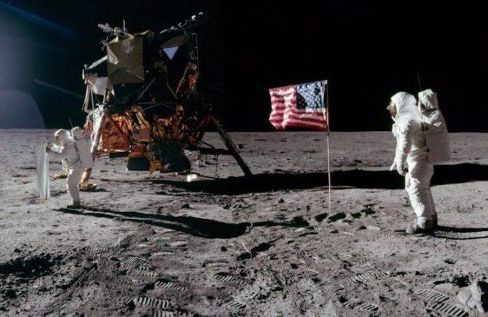 La passeggiata degli astronauti sulla Luna