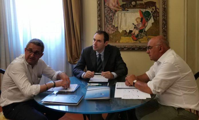 La firma dell'accordo con cui Bene Banca stanzia un plafond per gli artigiani