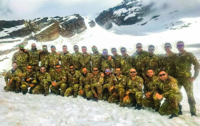 I militari della Taurinense che hanno partecipato al corso alpino avanzato