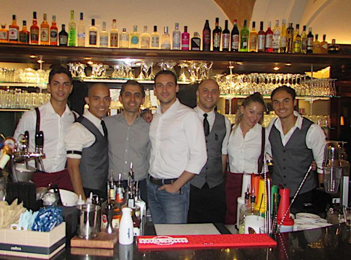 Caffè Roma a Fossano, lo Staff del Galì