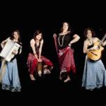 Il gruppo Madamé composto da fisarmoniciste, voci coriste e soliste, ha un repertorio di canti tradizionali