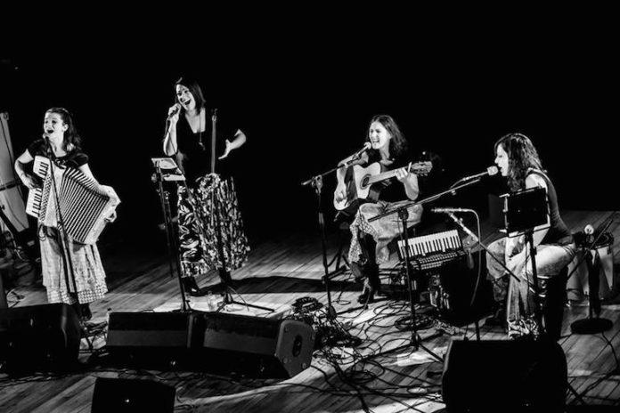 Il gruppo musicale Madamé in un recente concerto a San Giovanni Perucca di Trinità - Luglio 2019