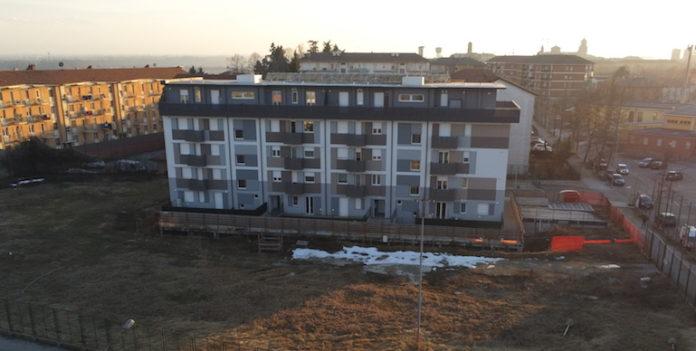 Il condominio Nova Corte nell'ex campo Vallauri