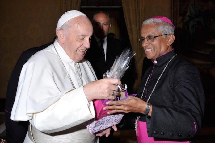 mons. Miranda, vescovo di Gulbarga, con Papa Francesco