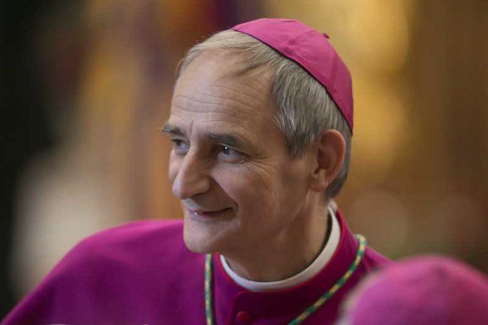 l'arcivescovo di Bologna Matteo Maria Zuppi