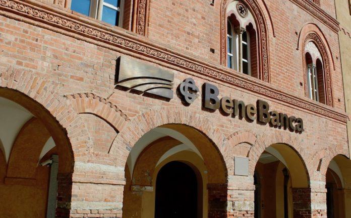 La facciata della sede centrale di Bene banca