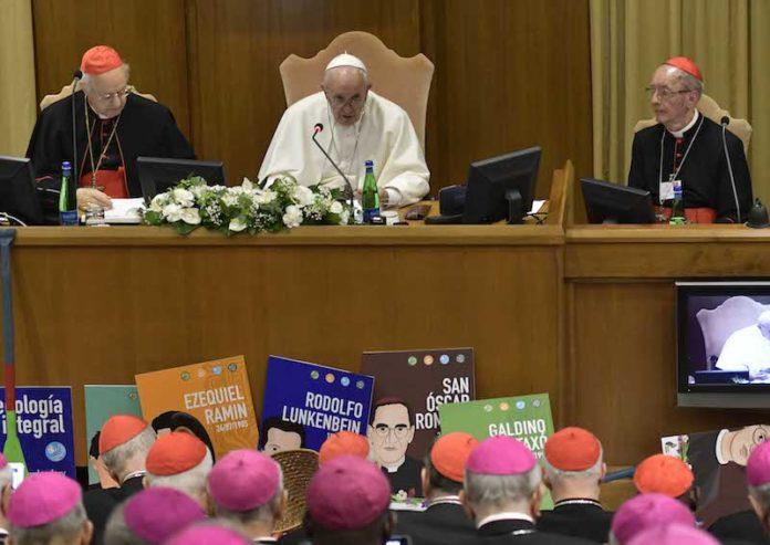 Papa Francesco guida l'inizio dei lavori del Sinodo sulla Amazzonia