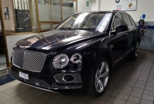 La Bentley sequestrata dai finanzieri