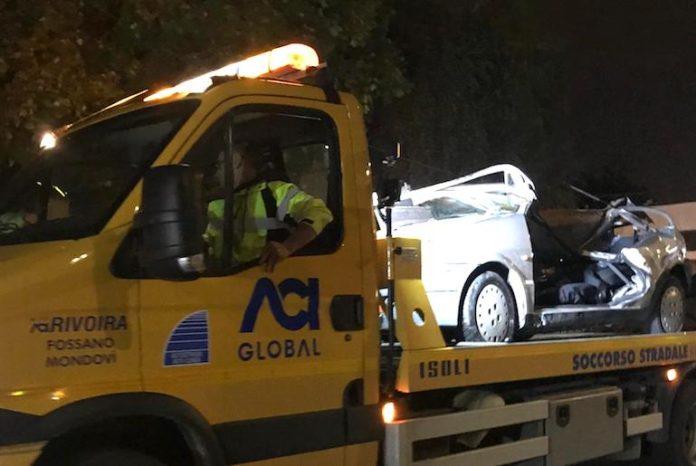 L'auto recuperata dal Soccorso stradale