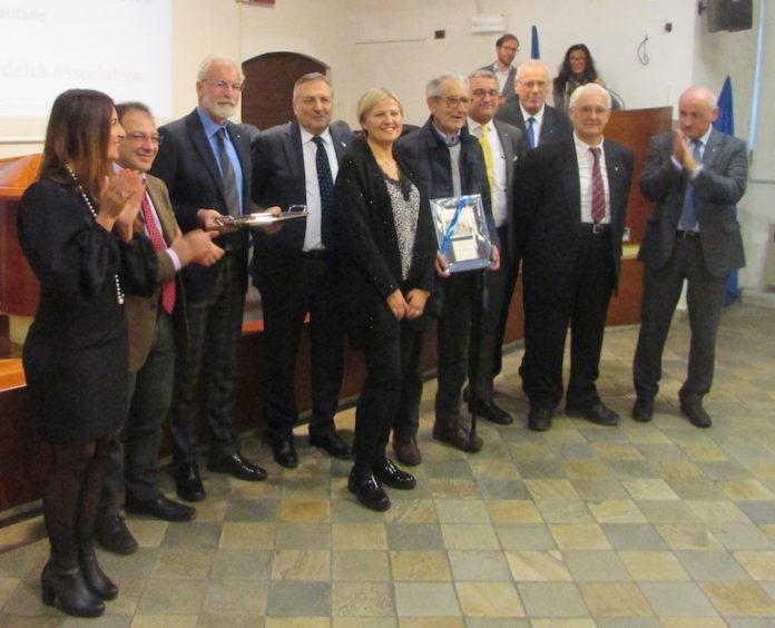 Confartigianato, la premiazione a Fossano dell'officina Martina, con più di 70 anni di fedeltà associativa