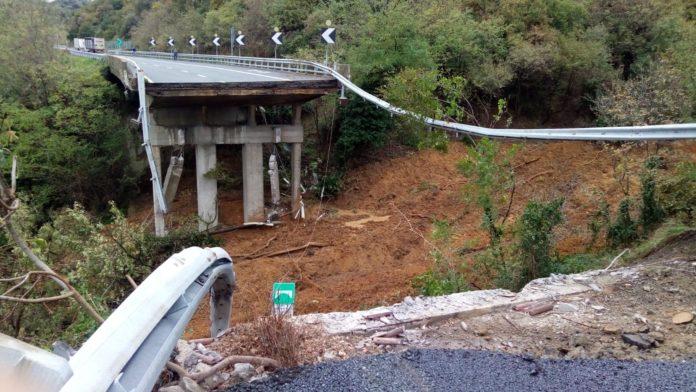 Ponte crollato sulla Torino Savona