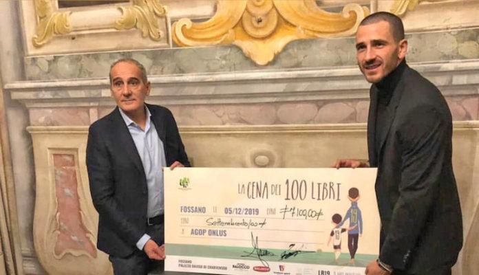 Leonardo Bonucci con Gianfranco Bessone, presidente del Fossano Calcio