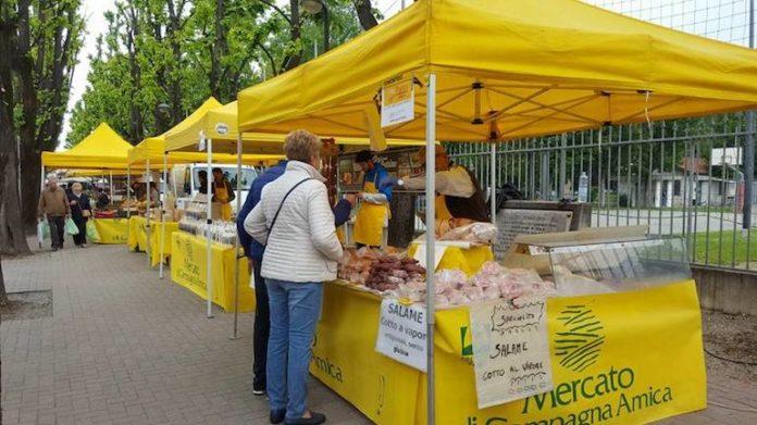 Il mercato di Campagna amica in viale Alpi
