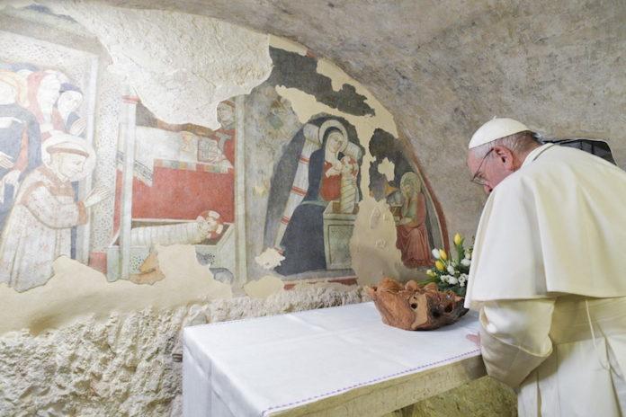 Papa Francesco visita il Santuario francescano di Greccio