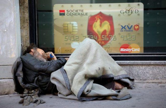 Ricchezza e povertà contrasti dei tempi moderni