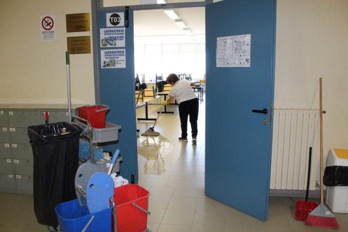 coronavirus pulizia e sanificazione scuole