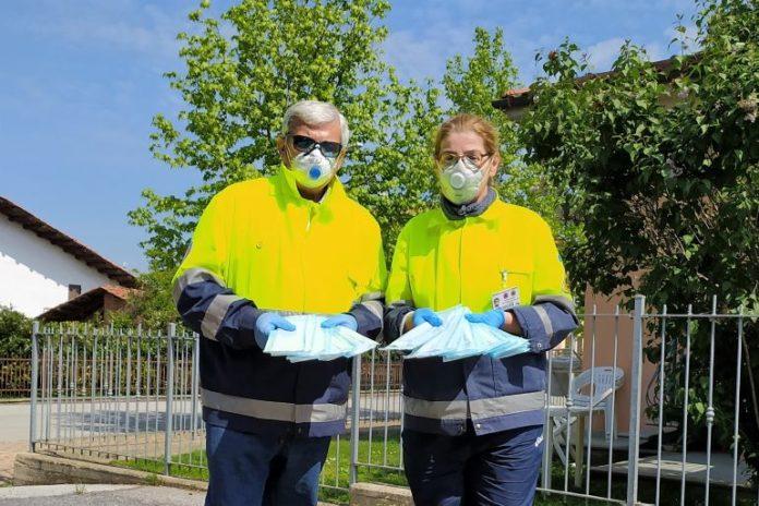 La Protezione civile di Bene Vagienna consegna mascherie