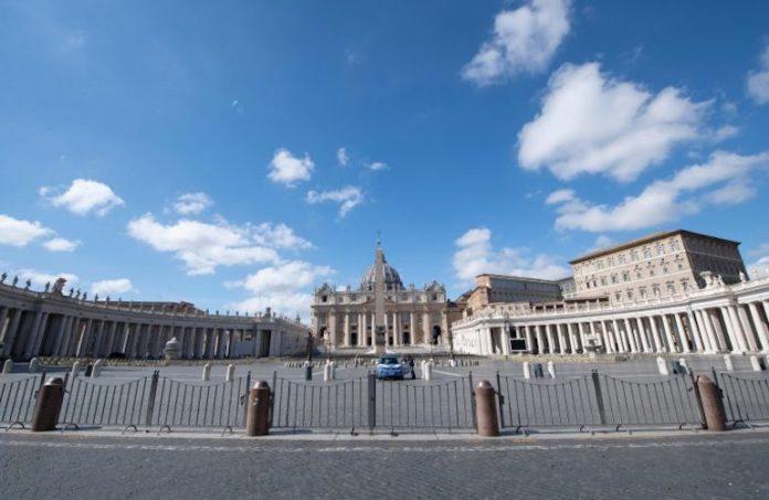Piazza San Pietro deserta al tempo del Coronavirus