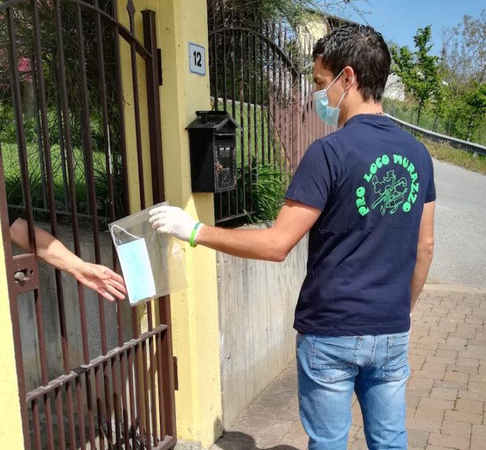 murazzo consegna mascherine ai residenti