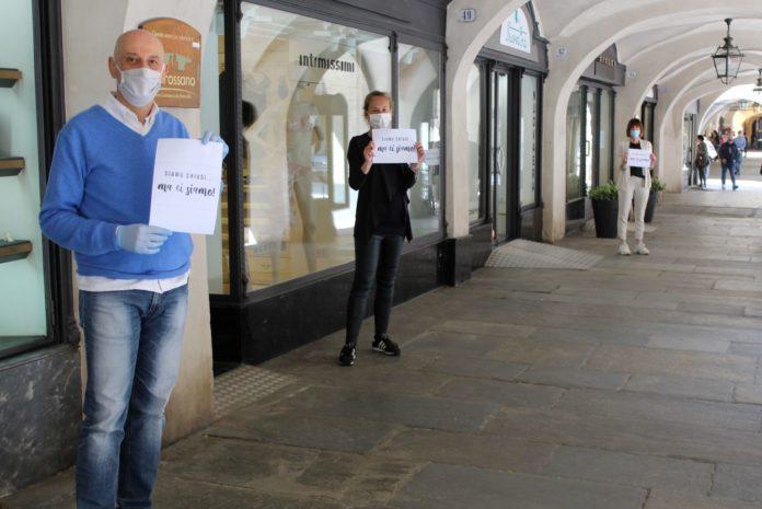 commercianti fossano protesta