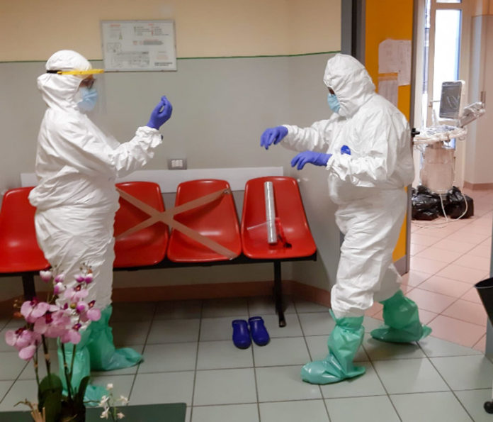 Medicinsieme Coronavirus Studio Rosso