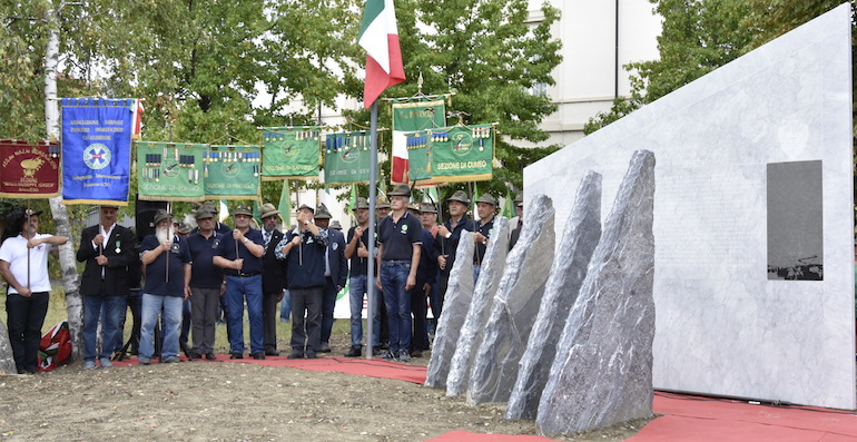 monumento degli alpini dedicato ai caduti durante la campagna di Russia