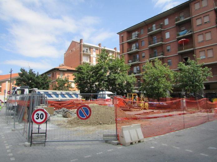 Acquedotto lavori piazza Dompè