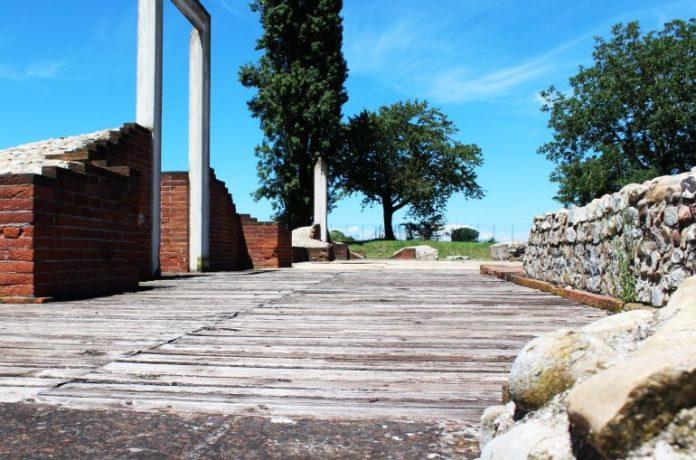 Il teatro romano nel complesso del sito archeologico di Bene Vagienna