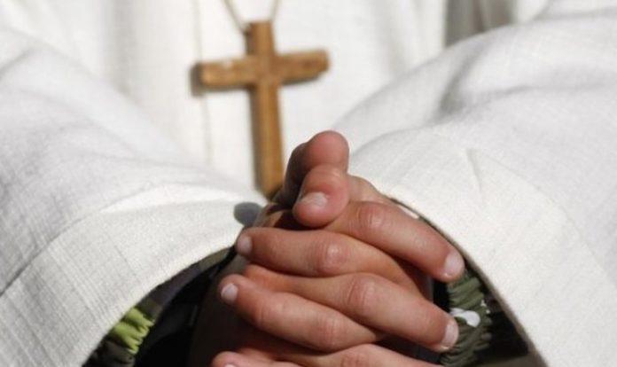 Prete Sacerdote Preghiera