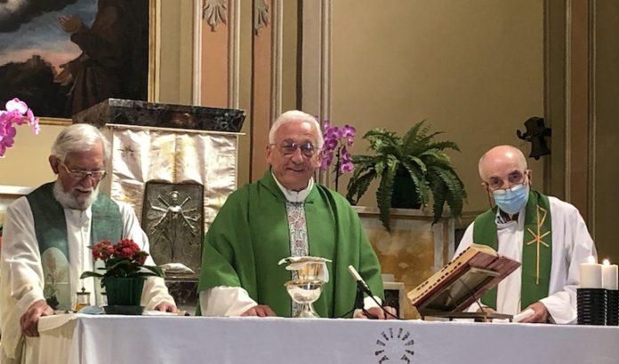 Mondino Don Gianni festeggia 50 anni di sacerdozio a San Lorenzo