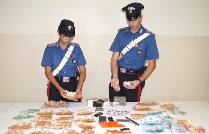 I carabinieri hanno arrestato un 43enne per spaccio di droga