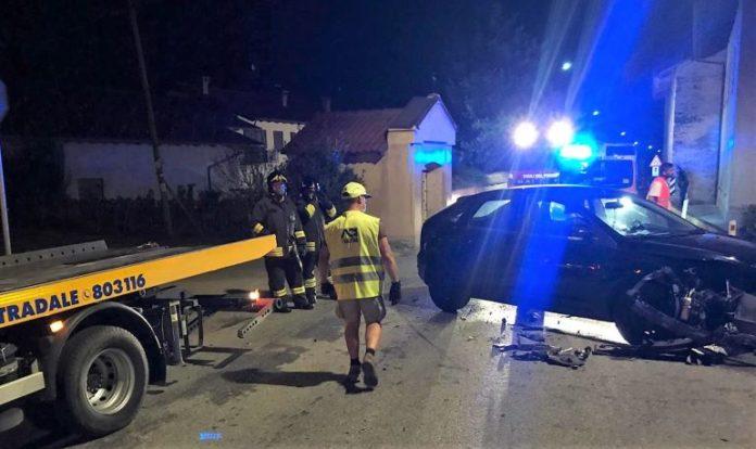 Scontro fra due auto in frazione Mellea di Fossano