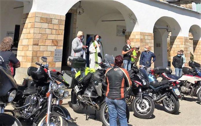 Al santuario di Sant'Anna di Vinadio il raduno organizzato dal Motoclub dei pompieri di Cuneo
