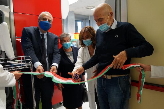 Cuneo, ospedale Santa Croce: taglio del nastro robot farmacia