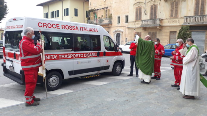 Croce Rossa Centallo pullmino trasporto disabili