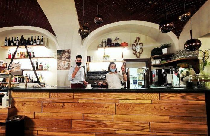Il caffè Umberto riapre col nome Barbis
