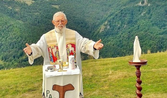 Padre Angelo messa in quota