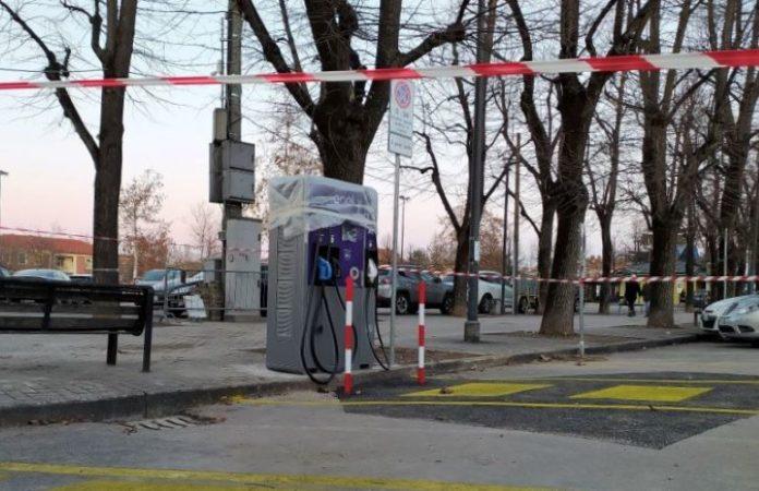 Colonnina per la ricarica delel auto elettriche in viale Alpi a Fossano