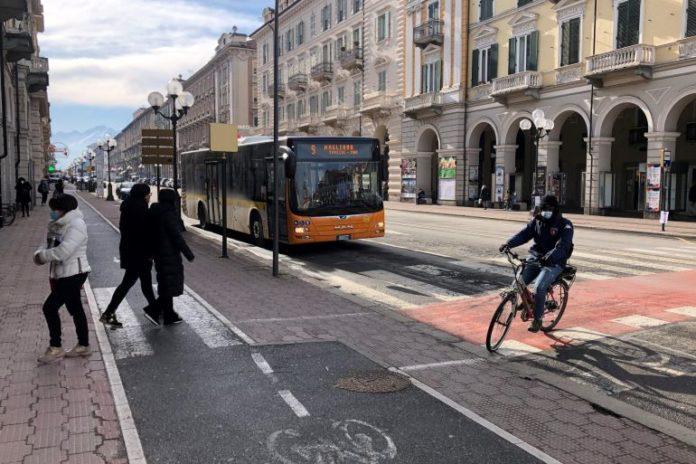 A Cuneo si parla di inquinamento e auto