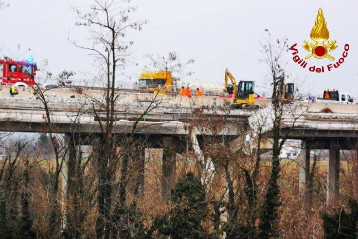 Due operai sono precipitati da un viadotto lungo la To-Sv