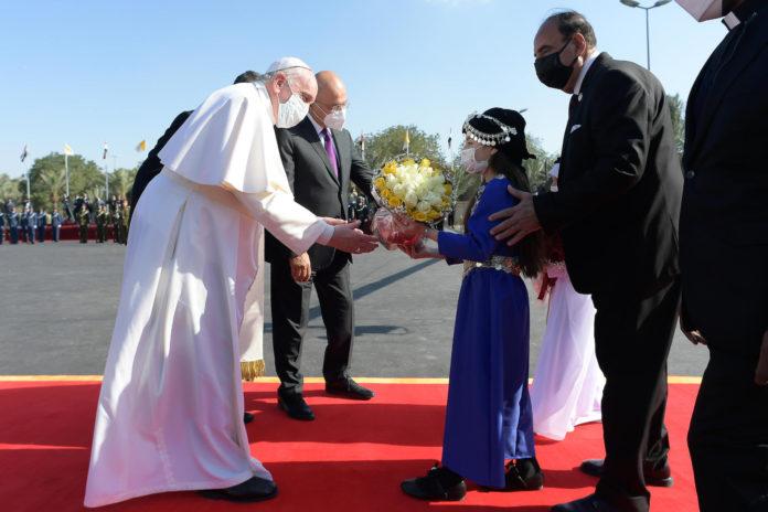 Baghdad, 5 marzo: Viaggio Apostolico di Papa Francesco in Iraq, 5-8 marzo, visita di cortesia al Presidente della Repubblica nello studio privato del Palazzo Presidenziale