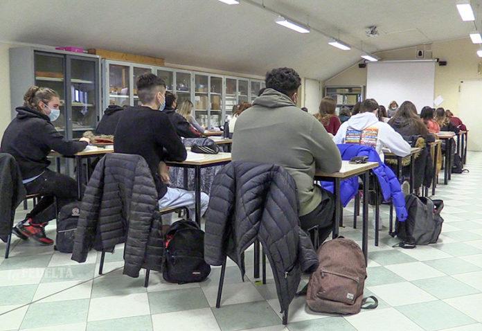 Liceo Covid scuola in presenza