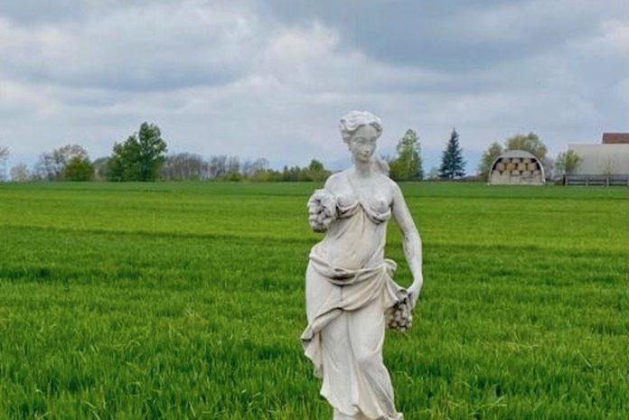 Restaurata anche la seconda statua di via Santa Lucia